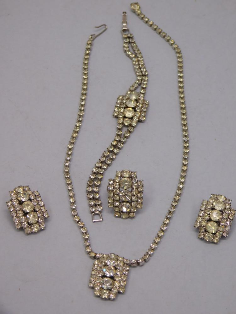 Vintage Clear Rhinestone Costume Jewelry Necklace