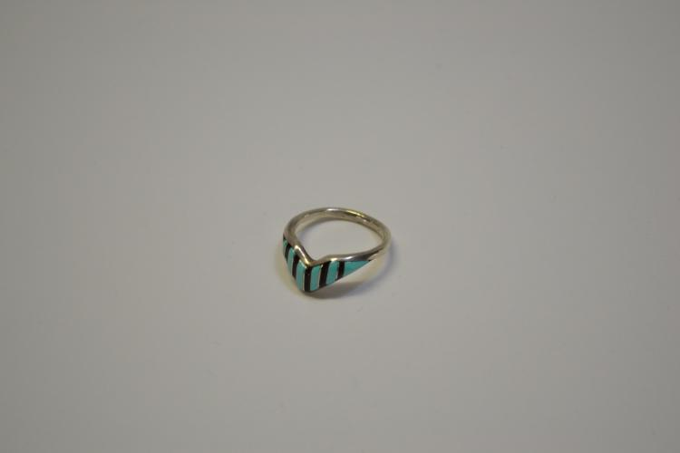 Vintage Sterling Jet Turquoise Inlaid Native American Ring