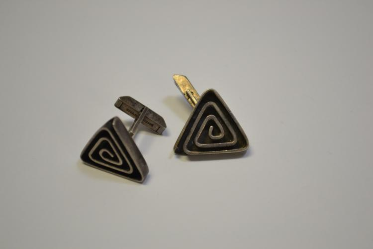 Vintage Sterling Native American Handmade Triangle Cuff Links