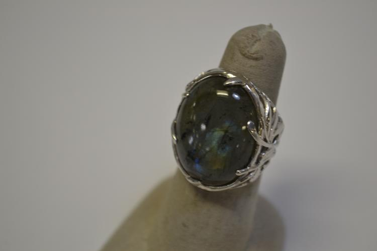 Modern Sterling Silver & Labradorite Ring