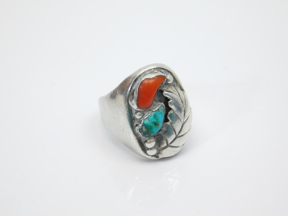 Lot 8: Vintage Native American Navajo Sterling Silver Turquoise Coral Feather Mens Heavy Chunky Ring 32.6G Sz11