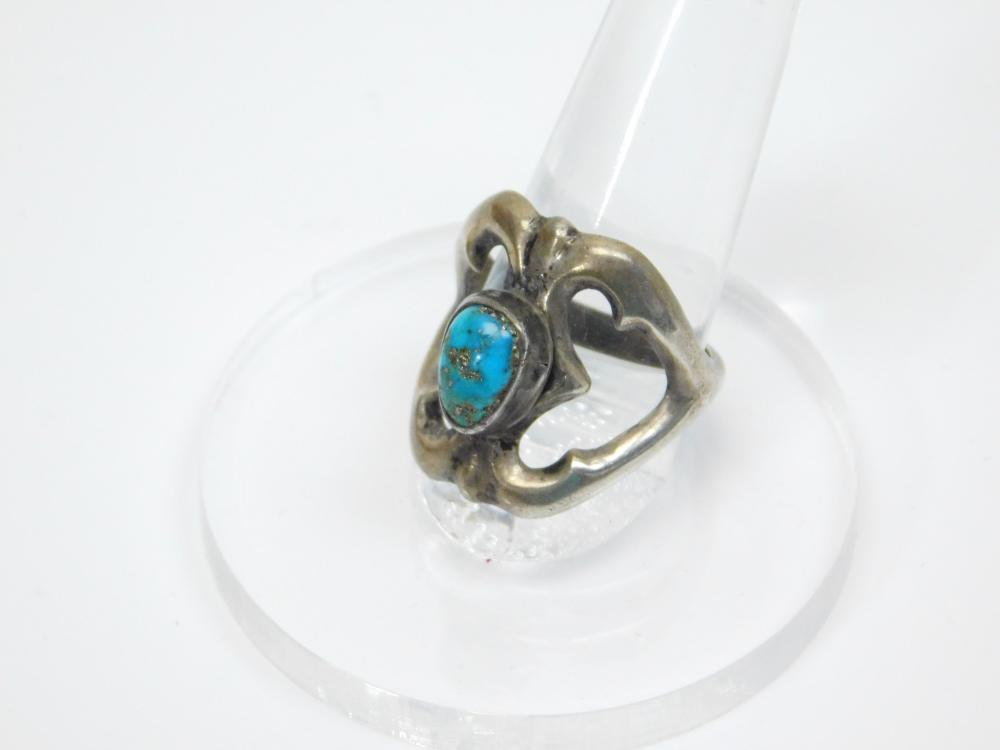 Lot 28: Vintage Native American Sandcast Sterling Silver Turquoise Ring 8.7G Sz8.75