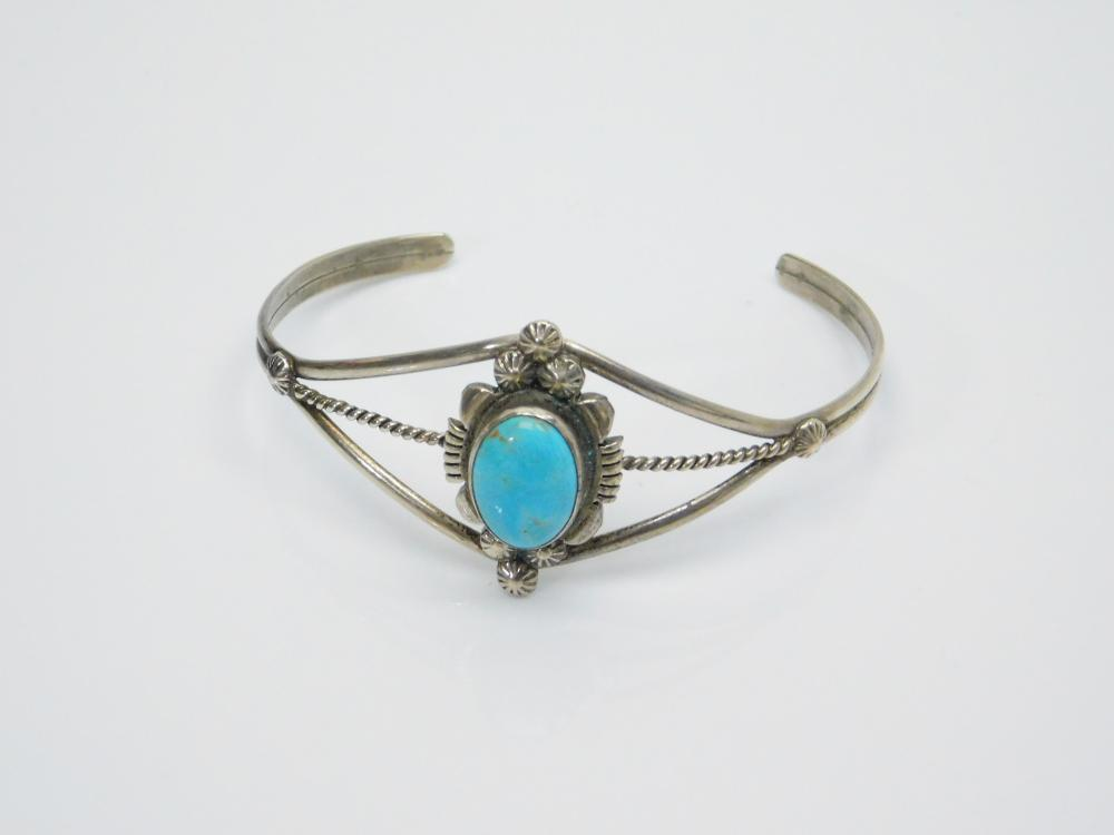 Lot 35: Vintage Native American Navajo Marie B Bahe Sterling Silver Turquoise Cuff Bracelet 10G