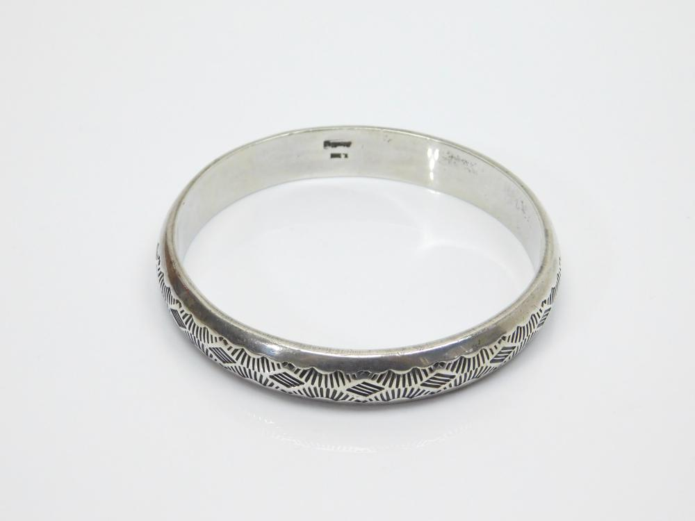 Vintage Native American Navajo W Tahe Heavy Stamped Sterling Silver Bangle Bracelet 47.5G