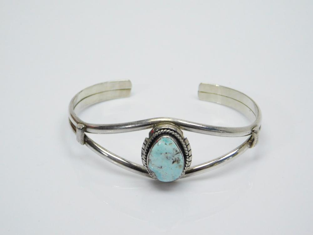 Lot 78: Vintage Native American Sterling Silver Turquoise Cuff Bracelet 17G