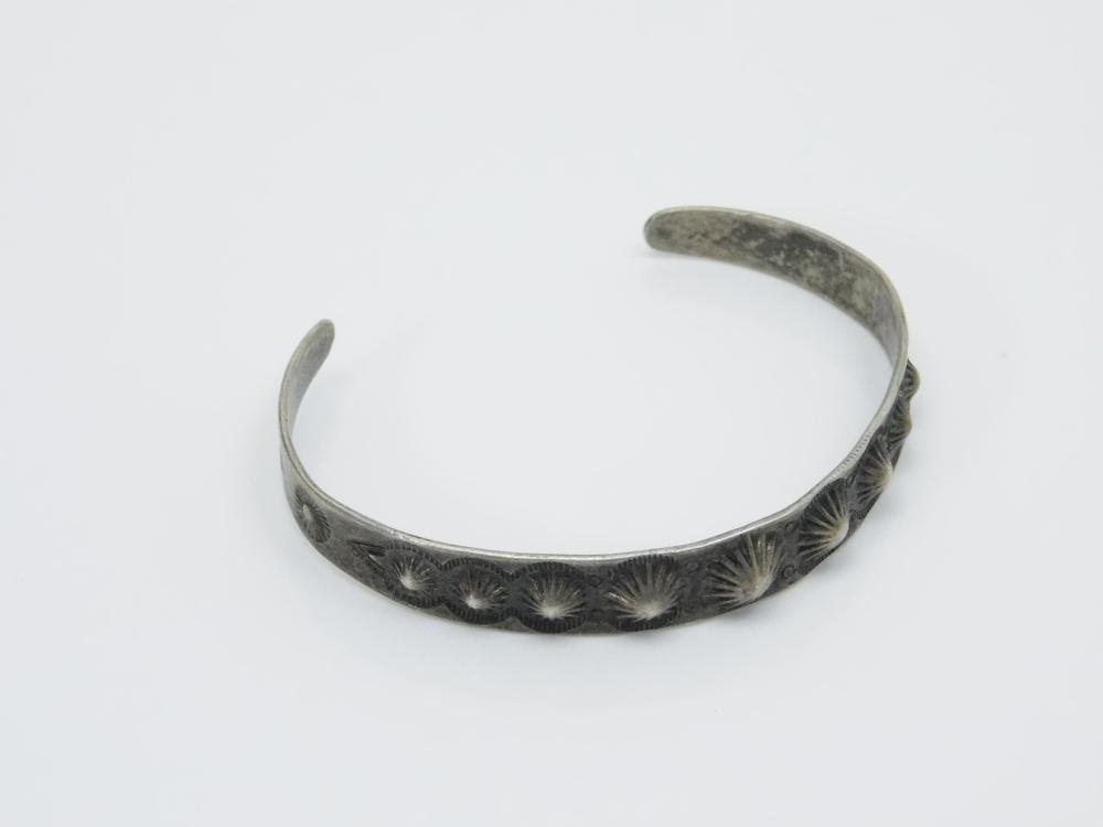 Lot 103: Vintage Native American Navajo Fred Harvey Era Stamped Rattlesnakes Sterling Silver Cuff Bracelet 10.8G
