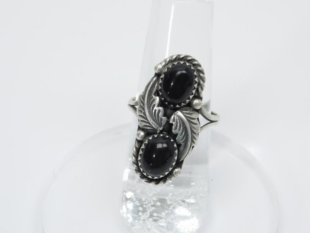 Vintage Native American Navajo Sterling Silver Black Onyx Feather Ring 4.6G Sz7