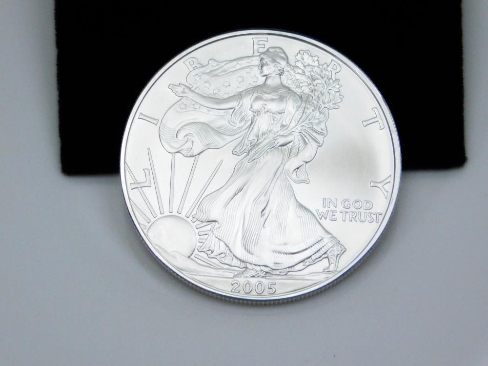 Lot 143: 2005 United States Mint American Eagle 999 Fine Silver 1 Oz Dollar Bullion
