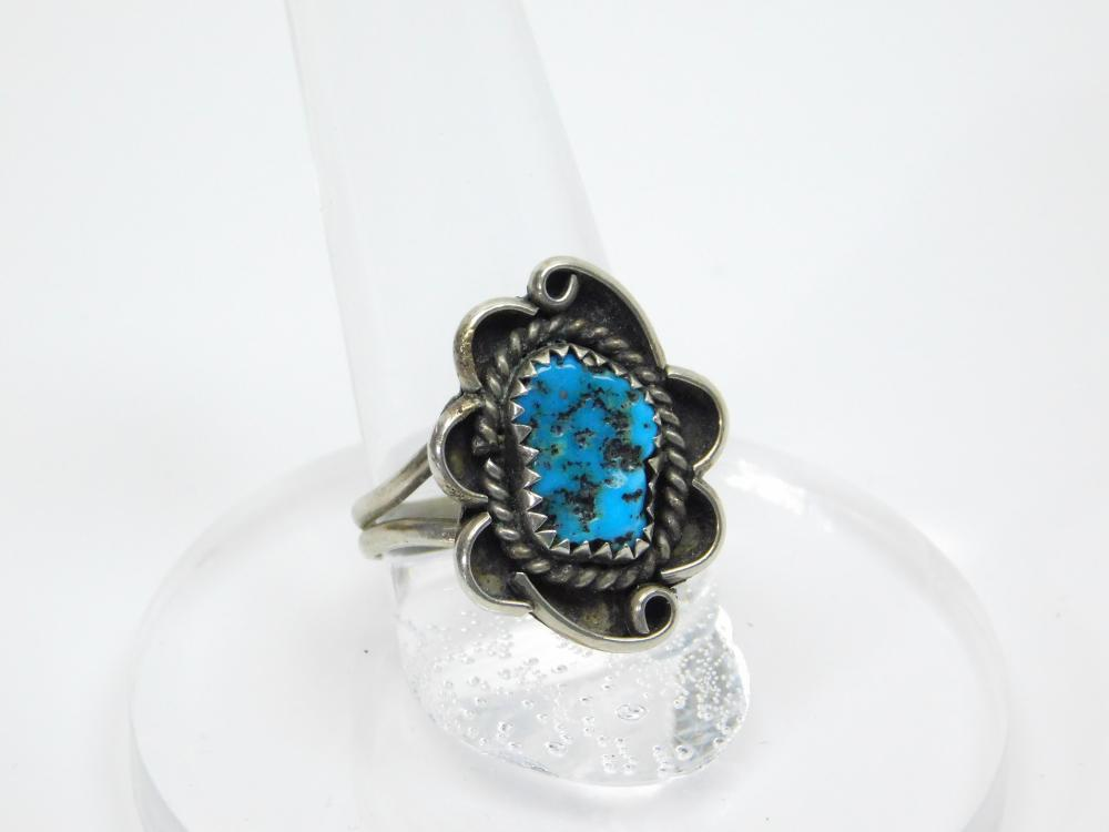 Lot 165: Vintage Native American Navajo Sterling Silver Turquoise Nugget Traditional Ring 3.3G Sz8
