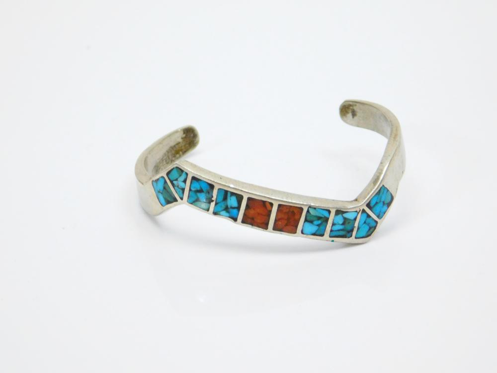 Lot 177: Vintage Native American Sterling Silver Turquoise Coral Chip Inlay Zigzag Cuff Bracelet 18.5G