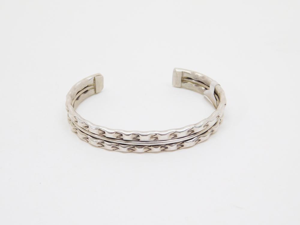 Vintage Native American Navajo Sterling Silver Stamped Cuff Bracelet 6.1G
