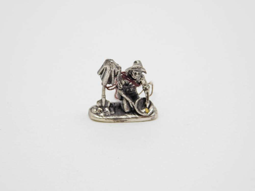 Miniature Sterling Silver Gold Miner Panning For Gold Figurine 6G