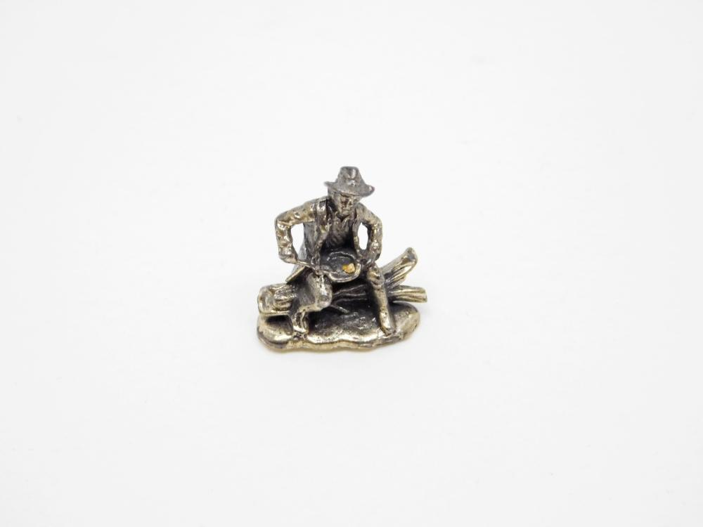 Miniature Sterling Silver Gold Miner Panning For Gold Figurine 5.1G