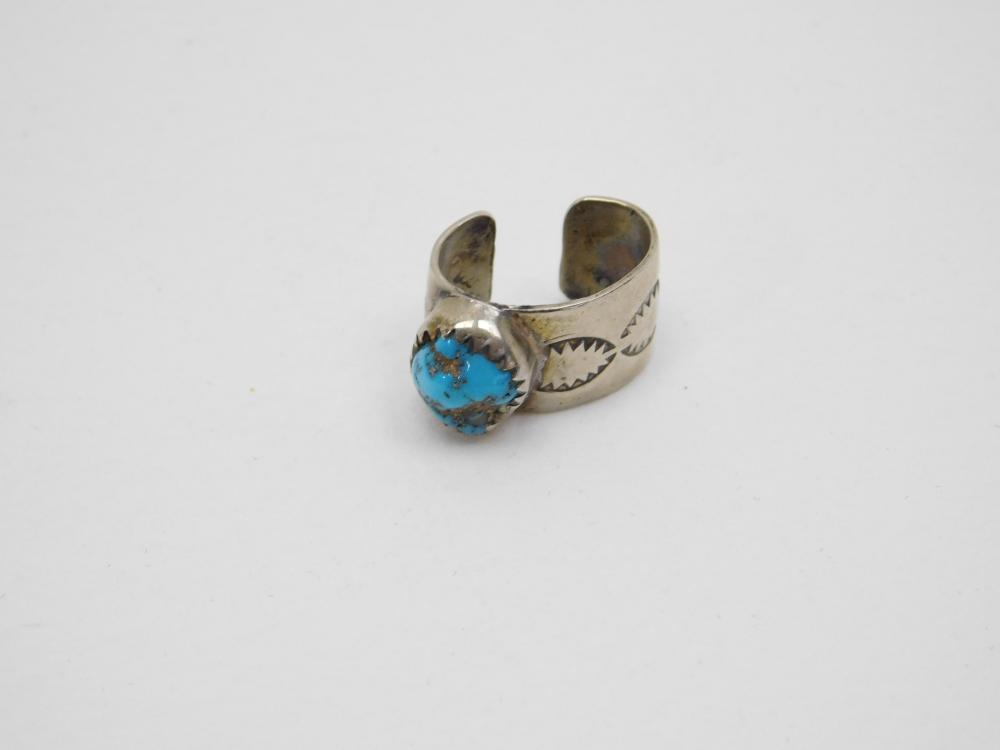 Vintage Native American Navajo Silver On Nickel Turquoise Nugget Ear Cuff 2.5G