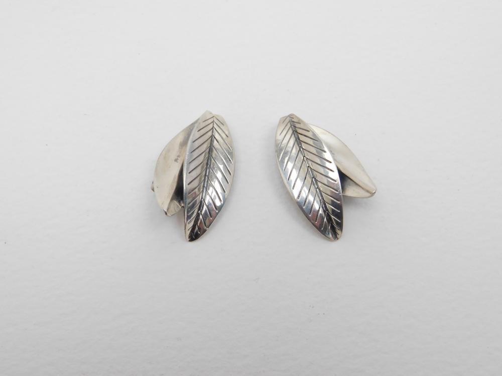 Vintage Anton Michelson Am Sterling Denmark Modernist Leaf Clip On Earrings 9.7G