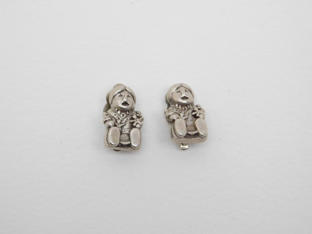 Vintage Native American Sterling Silver Storyteller Clip On Earrings 11.2G