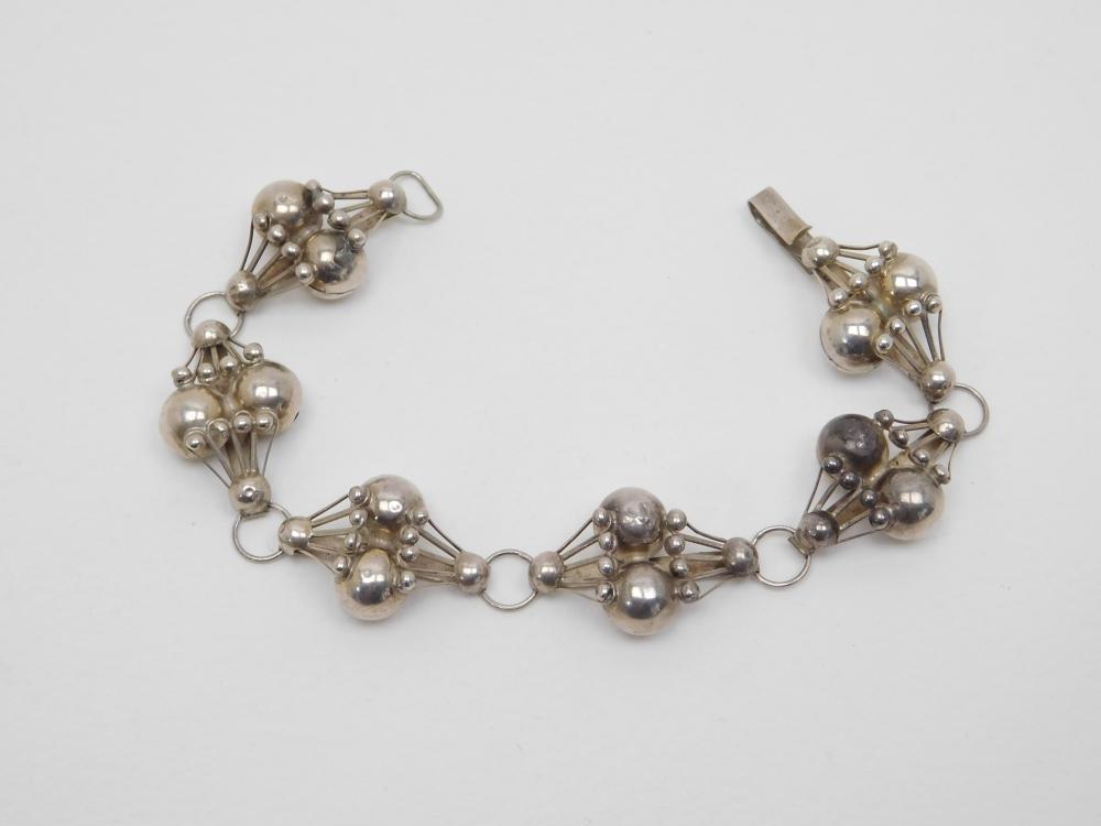 Vintage Mexico Sterling Silver Art Deco Bench Bead Handmade Bracelet 16.6G