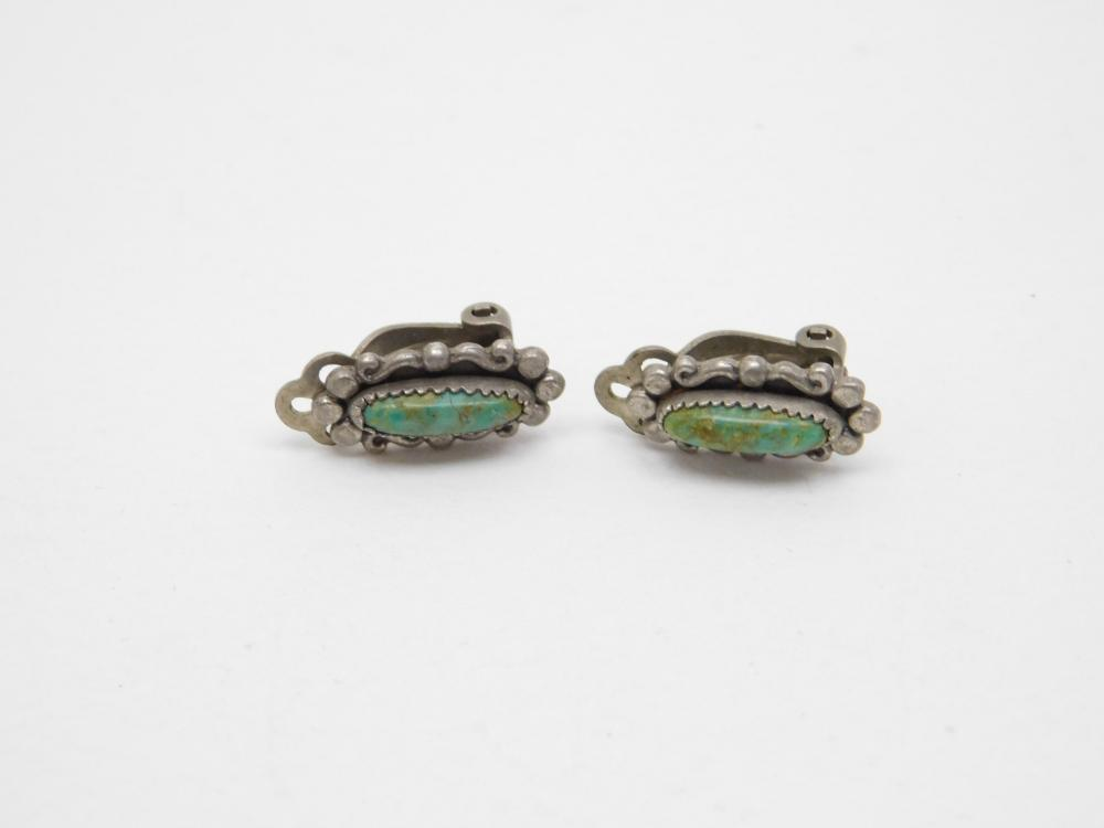 Vintage Native American Navajo Sterling Silver Petite Turquoise Clip On Earrings 3.5G