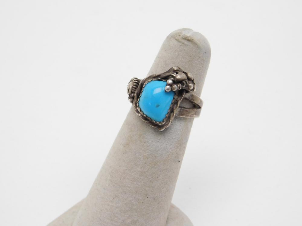 Vintage Native American Navajo Sterling Silver Turquoise Ring 6.4G Sz6