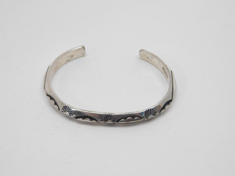 Vintage Native American Navajo Sterling Silver Stamped Razor Edge Childs Cuff Bracelet 8G