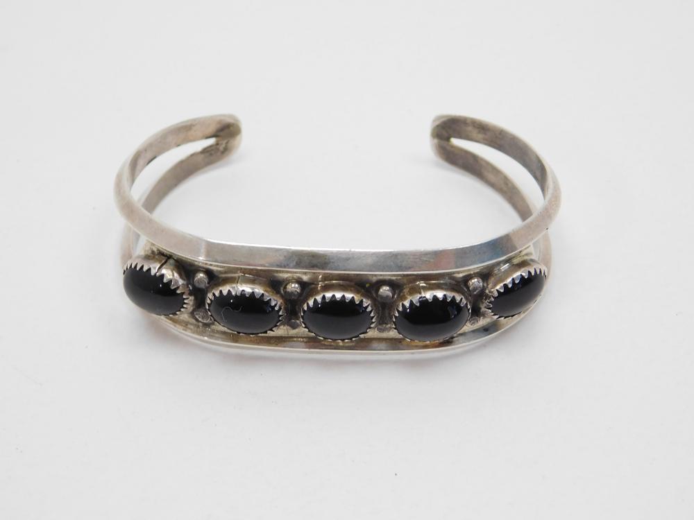Vintage Native American Navajo Sterling 5 Onyx Stone Cuff Bracelet 21.9G