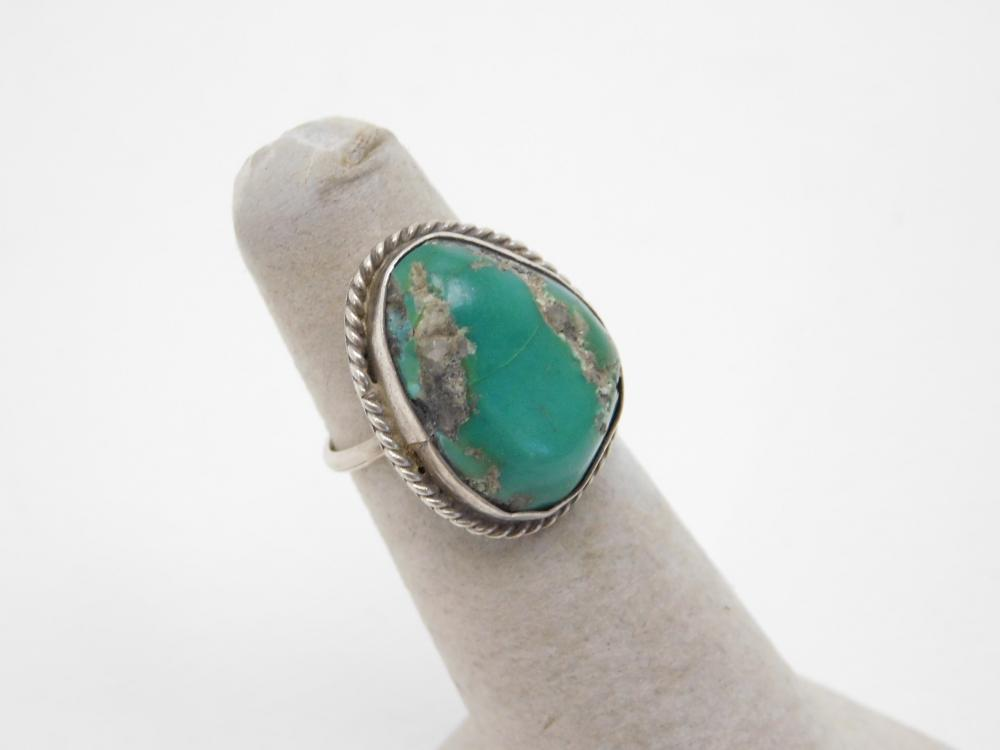 Vintage Native American Navajo Sterling Silver Turquoise Traditional Ring 4.8G Sz6