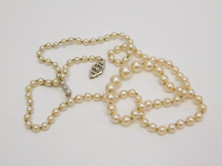 Lot 5: Antique 14 Karat Graduated Pearl Necklace