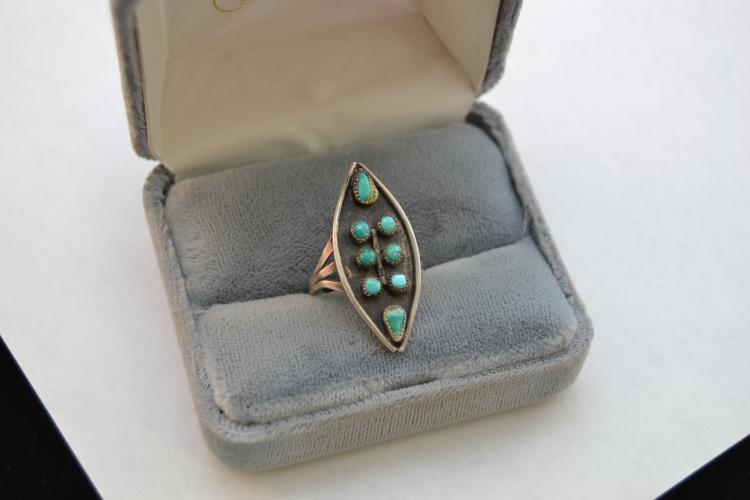 Vintage Navajo Sand Cast Turquoise Cluster Ring Size 7