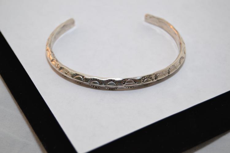 Vintage Navajo Sand Cast Sterling Silver Cuff Bracelet 16.5 Grams