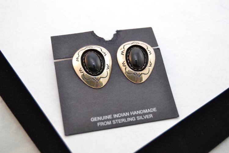 Vintage Navajo Sterling Black Onyx Shadow Box Clip On Earrings