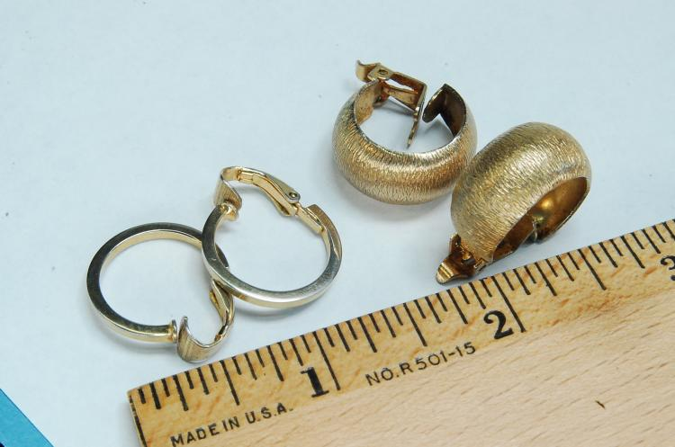 Lot 12: Goldtone Costume Jewelry Clip-On Earring Lot