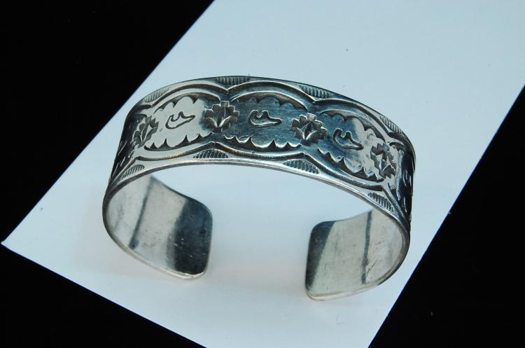 38g Sterling Navajo Stamped Bear Cuff Bracelet