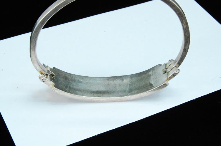 Lot 56: 23g Sterling Ladies Inlaid Hinged Bangle Bracelet