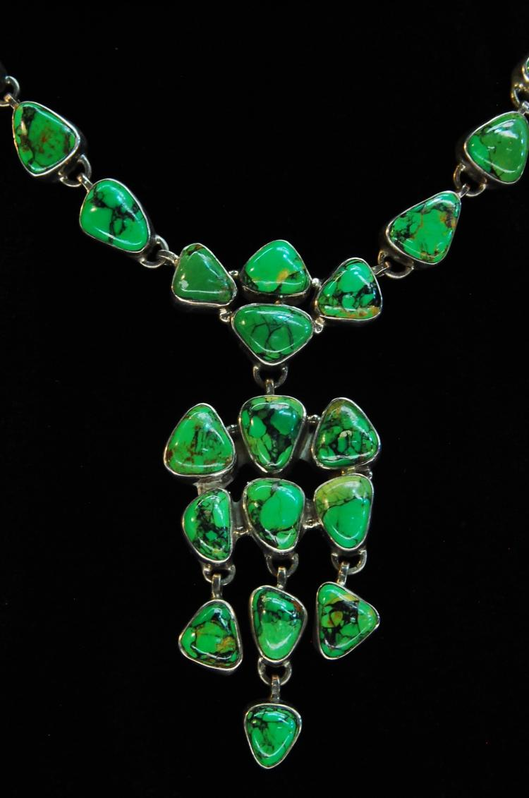 Lot 61: 61.5g Sterling Green Turquoise Ladies Necklace