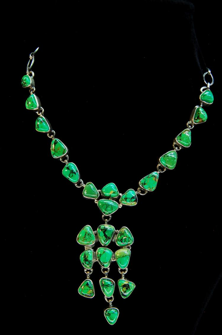 61.5g Sterling Green Turquoise Ladies Necklace