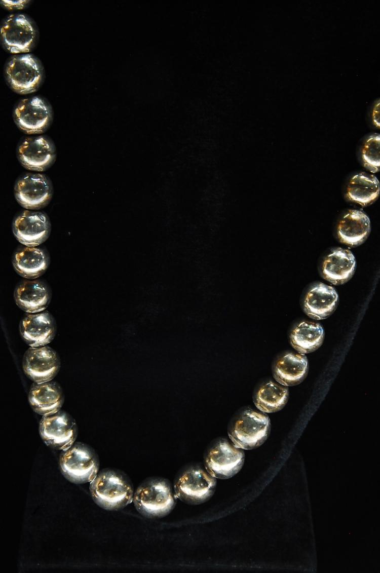 Lot 63: Vintage 33g Sterling Graduated Bead Necklace