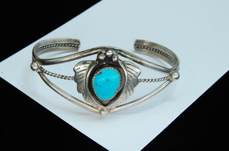 15g Sterling Turquoise Navajo Signed SL Bracelet