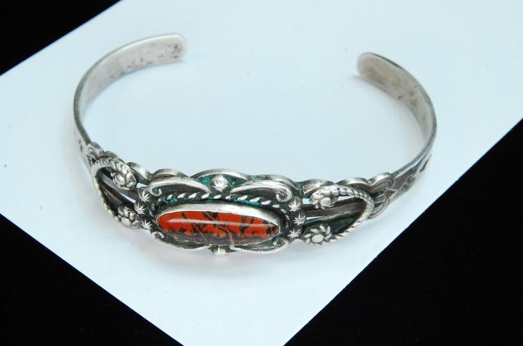 Lot 73: 17.4g Sterling Jasper Hopi Stamped Cuff Bracelet