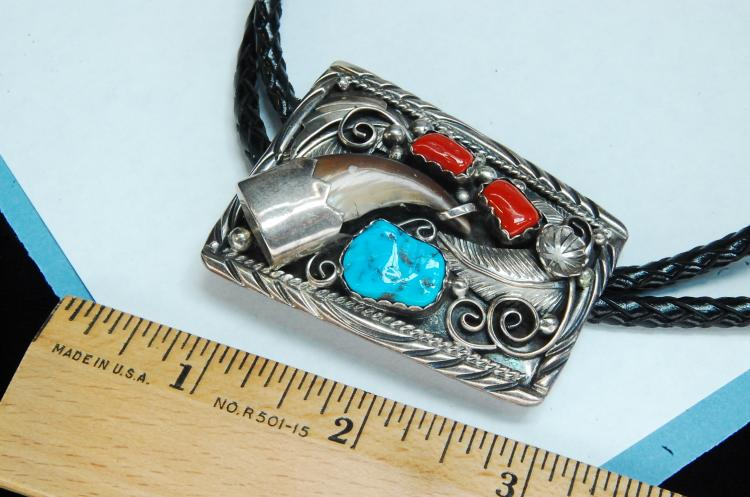 Lot 34: Vintage 35g Sterling Badger Claw Navajo Bolo Tie