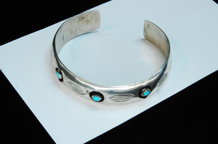 Lot 123: 14g Sterling Turquoise Shadowbox Cuff Bracelet