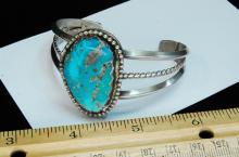 Lot 124: 42.5g Sterling Turquoise Navajo Cuff Bracelet