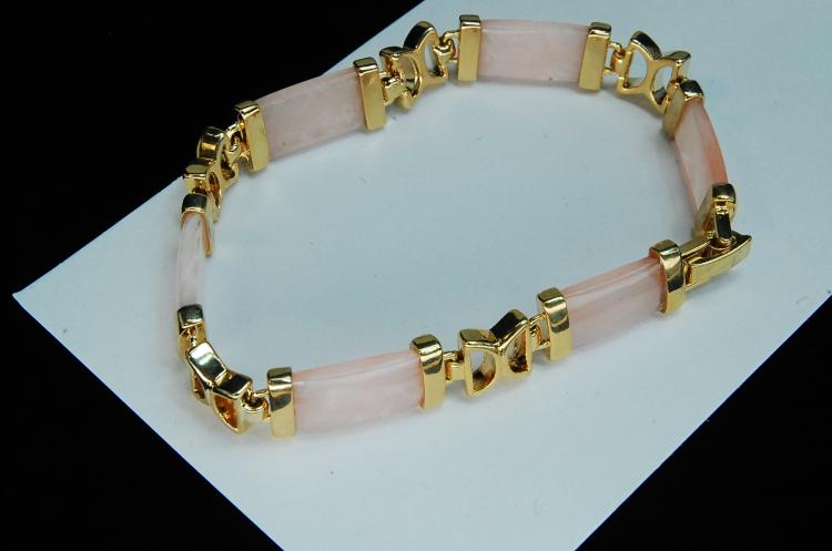 Lot 134: Costume Jewelry Pink Glass Ladies Bracelet