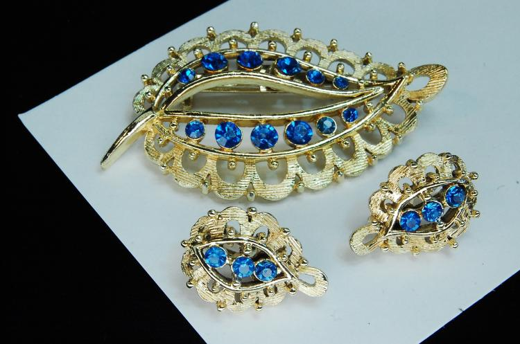 Vintage Blue Rhinestone Earring Brooch Set