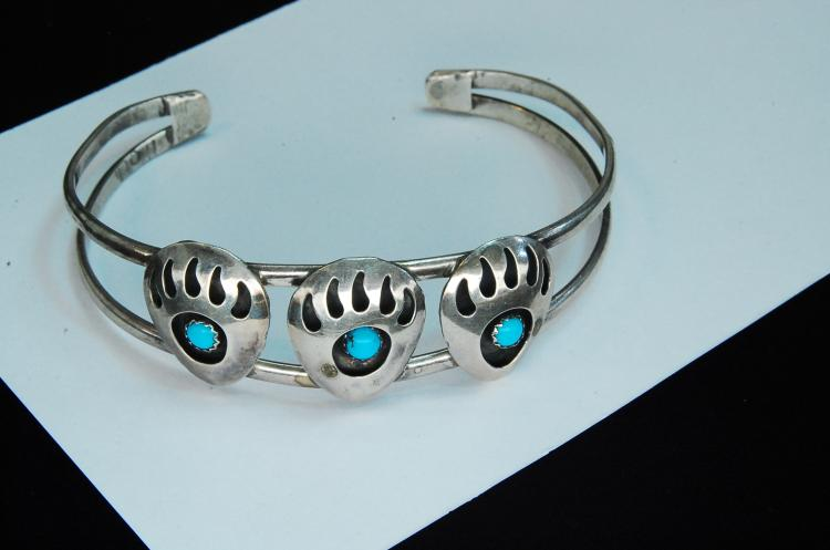 11.3g Sterling Turquoise Bear Paw Cuff Bracelet