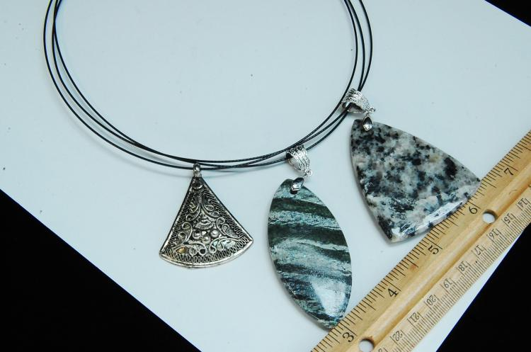 Lot 143: Carved Stone & Costume Jewelry Pendant Necklaces