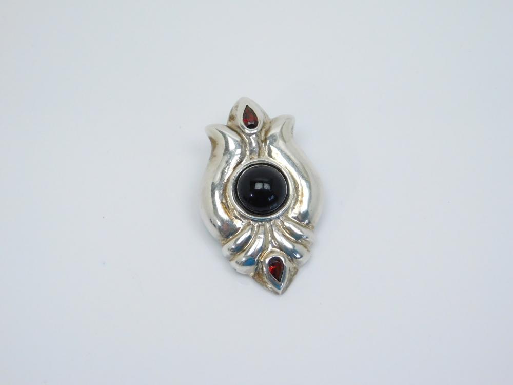 Su Sterling Silver Black Onyx & Garnet Art Deco Pendant 10.4G