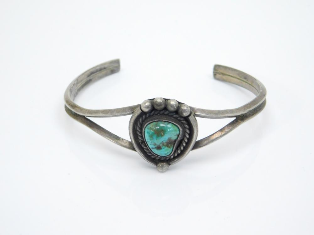Vintage Native American Navajo Sterling Silver Turquoise Nugget Cuff Bracelet 14G