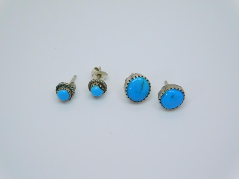 2Pr Vintage Native American Navajo Sterling Silver Turquoise Petite Dot Earrings 2.4G