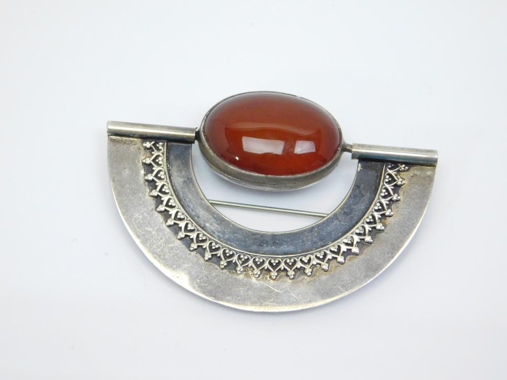Vintage Sterling Silver Art Deco Black Onyx Carnelian Spinner Brooch 19G