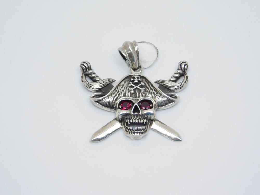 Sterling Silver Crossed Swords Pirate Garnet Eyes Pendant 14G